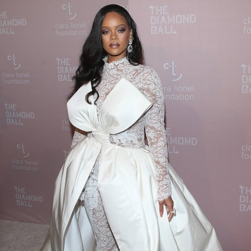 Rihanna 'heartbroken' Over Fan's Death