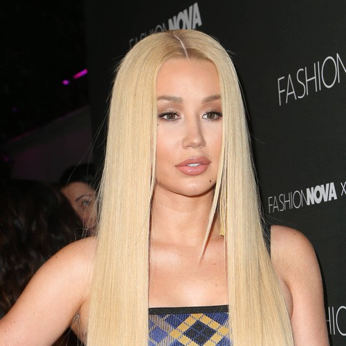 Iggy Azalea Shaken Up As Dancer Collapses During Brazil Gig