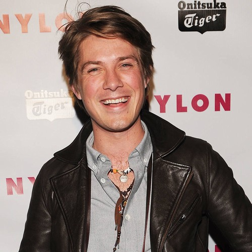 Taylor Hanson Is A Sixth-time Father