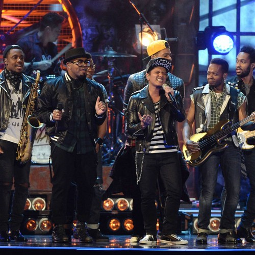 Bruno Mars Treats Bandmates To New Watches