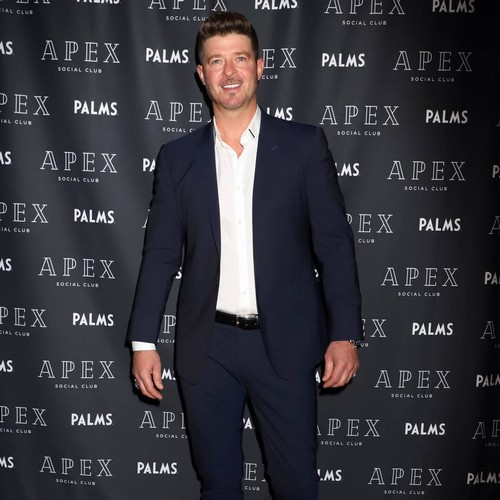 Socialite Re-posts Controversial Robin Thicke Picture For Social Media Challenge