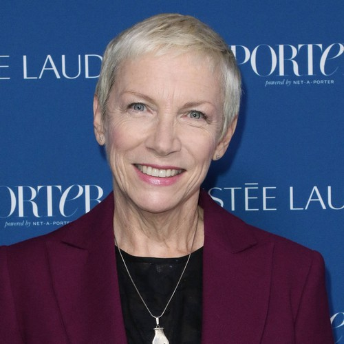 Annie Lennox: 'we Need To All Fight For Women's Rights' - Music News