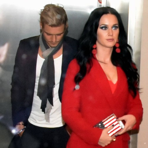 Katy Perry Engaged To Orlando Bloom - Report