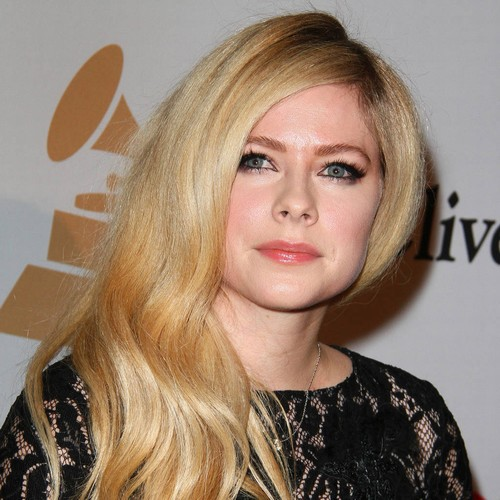 Avril Lavigne: 'i'm Not A Crazy Bible-thumper But I Do Have Faith'