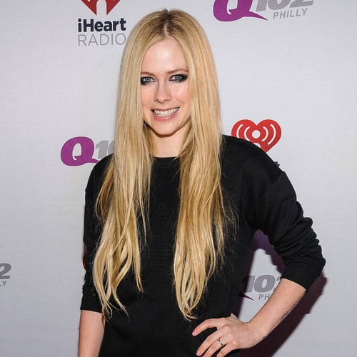 Avril Lavigne Has A New Boyfriend