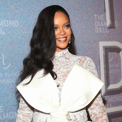 Rihanna Celebrates Birthday With Basketball Date