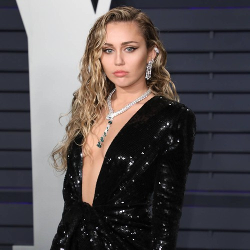 Miley Cyrus Kissed A Girl In Middle School - And Liked It