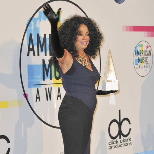 Diana Ross Left Irate As Fan Pokes Her During Surprise Concert