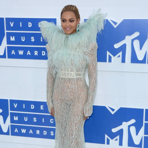 Beyonce Seeking To Keep Texts Private In Blue Ivy Trademark Battle