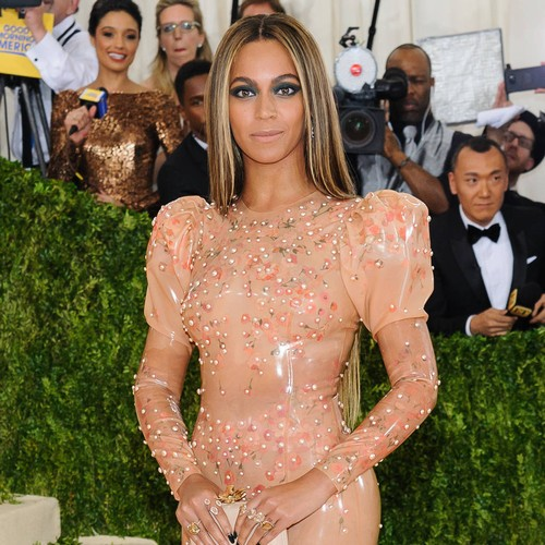 Private Photograph Of Beyonce And Jay-z's Children Leaks Online - Music News