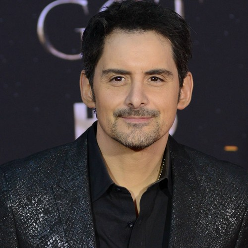 Brad Paisley Stunned He Got To Party With Game Of Thrones Cast
