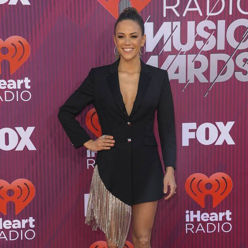Jana Kramer Clarifies 'hot Nanny' Comments After Backlash