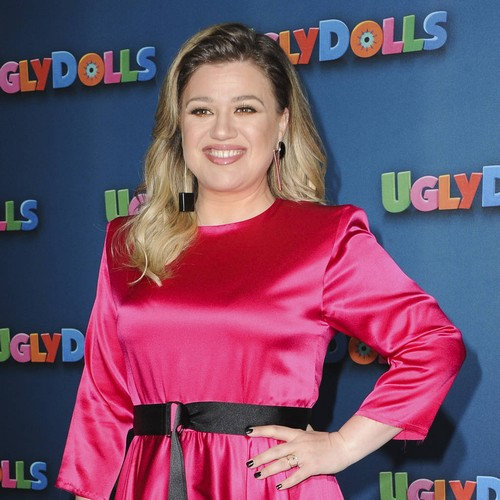 Awards Show Bosses Were Sweating Over Kelly Clarkson's Seat-filler Mix-up