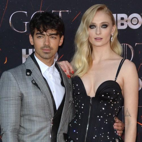 Sophie Turner And Joe Jonas Gave Out Wedding Invites During Billboard Music Awards - Music News