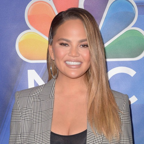 Chrissy Teigen Happy For Kelly Clarkson's Son To Marry Her Luna - Music News