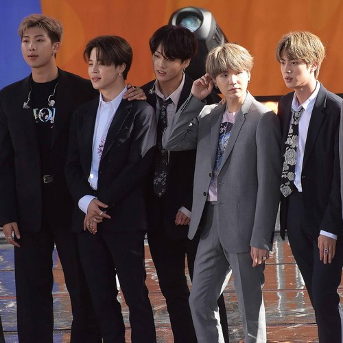 Bts Transform Into Music Icons The Beatles For Late Night Debut