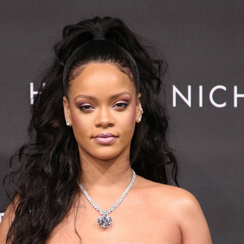 Rihanna Feeling Pressure To Make Luxury Fashion Brand A Success