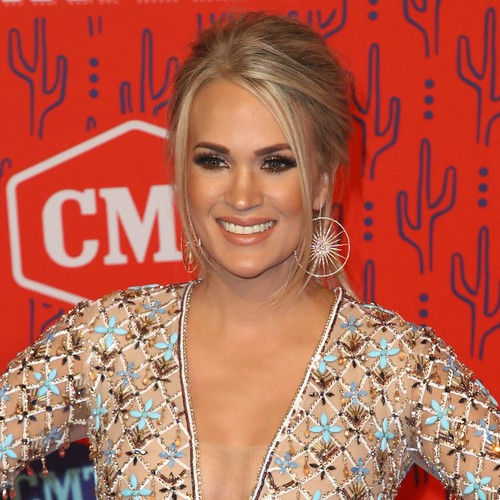 Carrie Underwood Is A Double Winner At The Cmt Music Awards