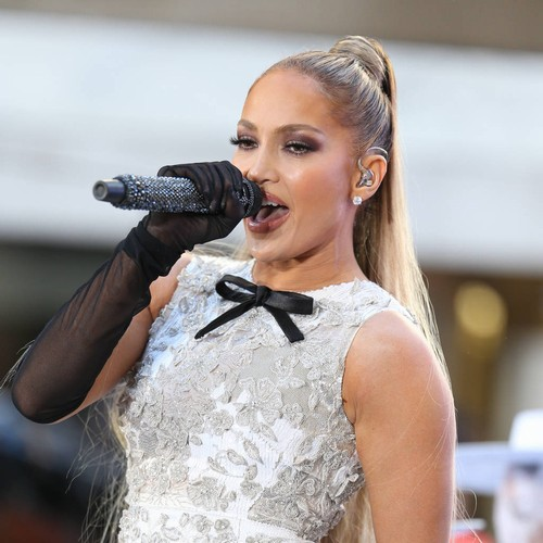 Jennifer Lopez Duets With Daughter To Launch Birthday Tour