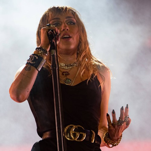 Miley Cyrus Apologises For Her Controversial Remarks About Hip-hop
