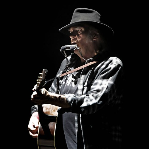Neil Young 'heartbroken' After Death Of Longtime Manager