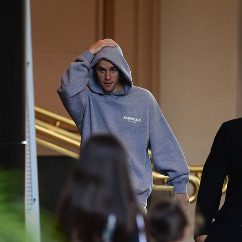 Justin Bieber Accuses Taylor Swift Of 'crossing A Line' In Scooter Braun Feud