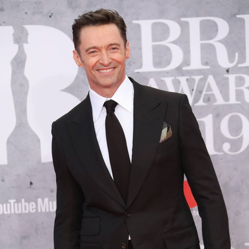 Hugh Jackman Helps Fan Stage Concert Proposal - Music News