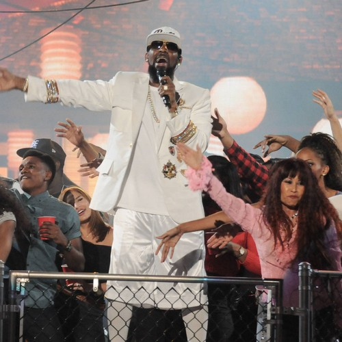 R. Kelly's Daughter Felt Suicidal After Social Media Abuse - Music News