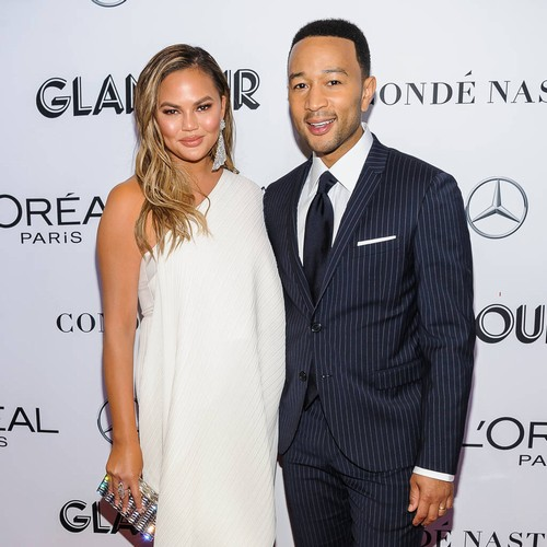"""Permalink to Chrissy Teigen """"Read All"""" about John Legend Romance when they began to date – Music News"""