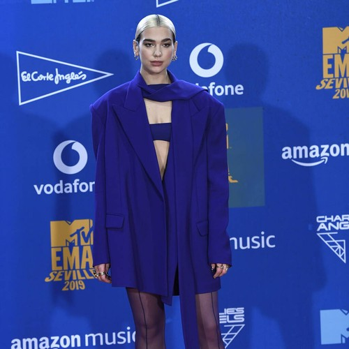 """Permalink to Dua Lipa looks for negative comments in social media on """"vulnerable"""" days – Music News"""