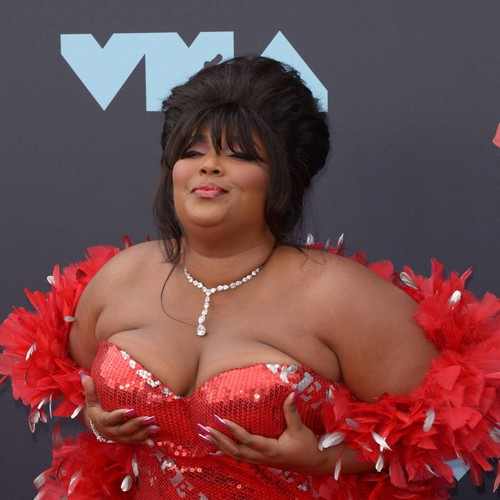 Lizzo sued by food delivery driver – Music News