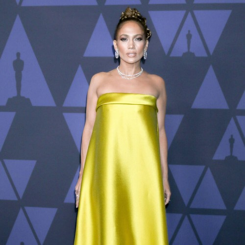 """Permalink to Jennifer Lopez """"Understands"""" Why Stars Have Refused the Super Bowl Halftime Show – Music News"""