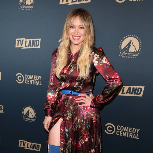 Permalink to Hilary Duff sings son to sleep with her own songs – Music News