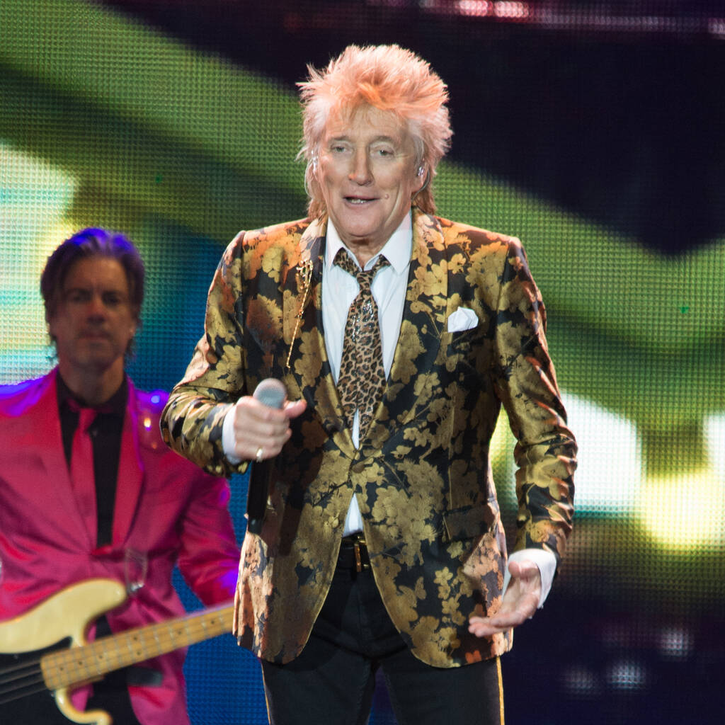 Permalink to Rod Stewart charged with collapse on New Year's Eve – music news