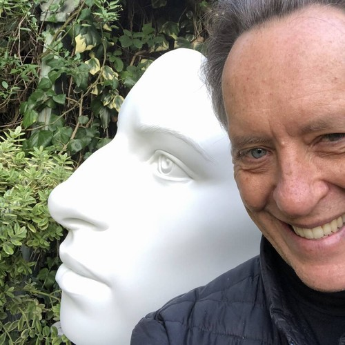 Permalink to Richard E. Grant commissions sculpture of the idol Barbra Streisand – music news