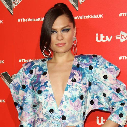 Jessie J tackles sound issues during online birthday gig