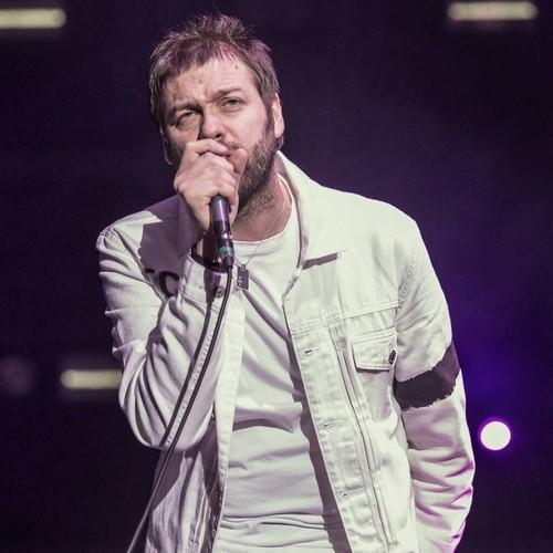 Kasabian frontman Tom Meighan quits band - Music News 1