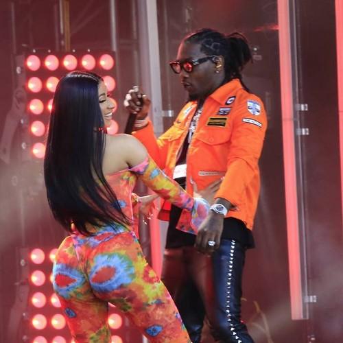 Birthday Girl Cardi B Kisses Estranged Husband Offset During All Night Party Music News My Boom Boxx