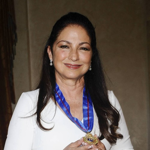 Gloria Estefan tackles daughter's 'coming out' in tense web-series chat - Music News 1