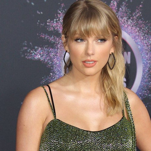 Taylor Swift gives fans sneak peek at Fearless (Taylor's Version) ahead of release – Music News