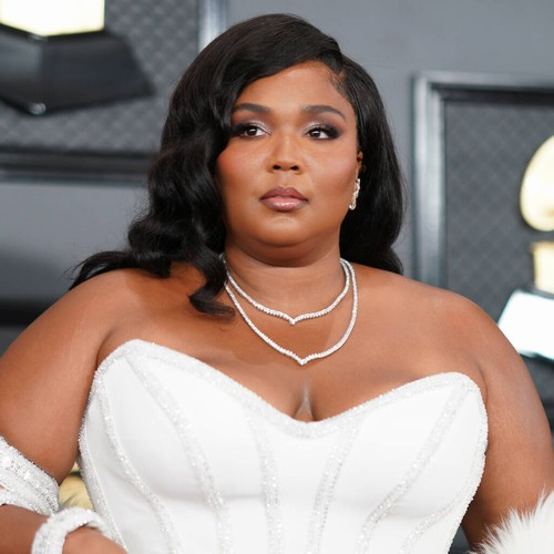 Lizzo wants fans to stay six feet feet away until Covid-19 cases decrease