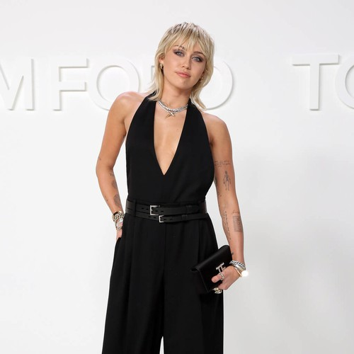 Miley Cyrus hits back at criticism of low singing voice