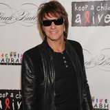 Richie-Sambora-really-happy-with-Denise