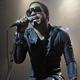 Lenny-Kravitz-dared-to-perform-intimate-show