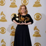 Adele-wants-huge-engagement-ring