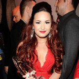 Demi-Lovato:-We-feel-pressure-to-be-thin