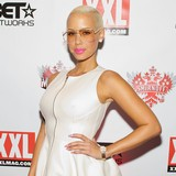 Amber-Rose-and-Wiz-Khalifa-met-through-Twitter
