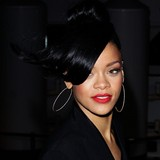 Rihanna-laughed-at-brawl