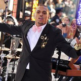 Chris-Brown-and-entourage-bloodied