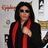 Gene-Simmons:-My-wife-knows-everything